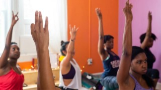 Live Be Yoga: 6 Conversations That Yogis, Teachers, & Activists Are Having About Inclusivity